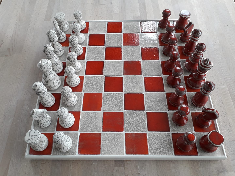 schaakspel rood/wit